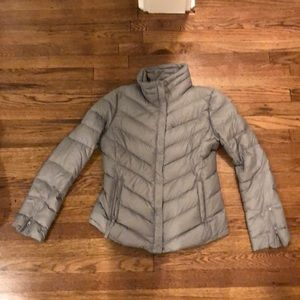 Gap steel gray puffer jackets. XS. Great layering.